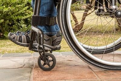 Come scegliere una sedia a rotelle