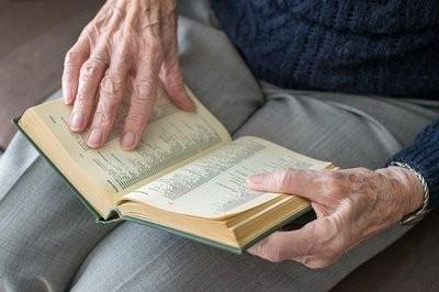 Le attività per gli anziani da fare in casa durante l'emergenza Coronavirus